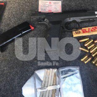 Rafaela: detuvieron a hinchas de Boca con un arma de guerra cargada y con drogas