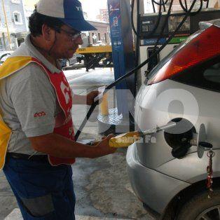 estacioneros: para afrontar la nueva tarifa de luz se deben vender 5 mil litros adicionales