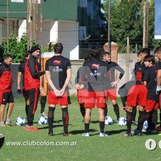 Domínguez comienza a definir el equipo para recibir al Lobo