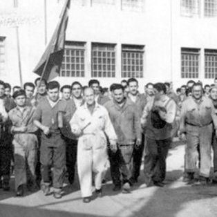 Reivindicaciones. Trabajadores en una protesta, en Buenos Aires, a principios del siglo pasado.