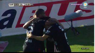 Colón aplastó 4 a 0 a Sarmiento y se prendió en la pelea por el torneo