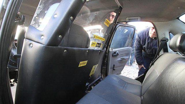 ¿Por qué los taxistas se oponen a colocar mamparas y al cobro con tarjeta?