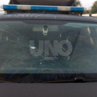 desmanes en los festejos de colon: un policia herido y dos patrulleros vandalizados