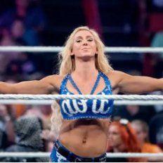 Se filtran fotos íntimas de una campeona de la WWE: Charlotte Flair