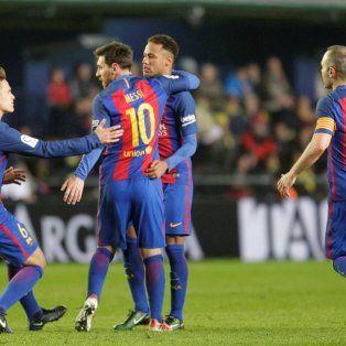 messi metio dos goles y barcelona quedo como unico puntero