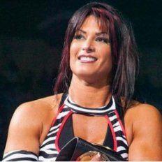 Difunden fotos íntimas de una ex campeona de la WWE