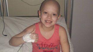 Anto recibió el trasplante de médula y su mamá lo dejó grabado