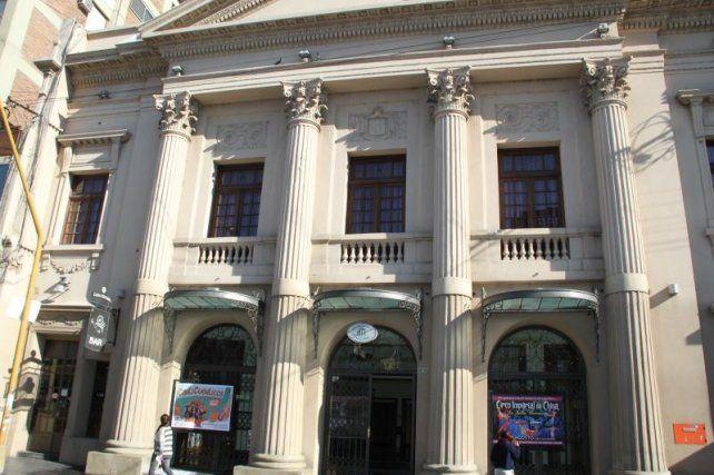 Corte de tránsito por trabajos en Hipólito Yrigoyen y 25 de Mayo