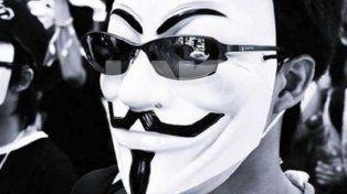 Perfil. En su cuenta de Twitter el hacker se presenta: Analizo tu sistema hasta encontrar el error y si no lo encuentro espero a que lo cometas.