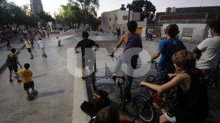 Un código de convivencia para los usuarios del Skate Park de Candioti Sur