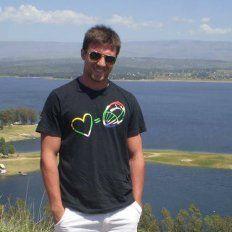 Ignacio Spontón, jugador de rugby de La Salle,  está evolucionando bien