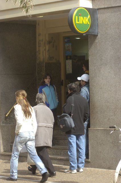 Pago de pensiones sociales Ley 5110, excombatientes de Malvinas, ex presos políticos y madres