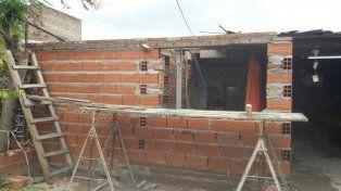 En marcha. La construcción ya comenzó pero necesitan colocar el techo para completarla.