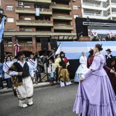 Las imágenes de la celebración del aniversario de la Revolución de Mayo en Santa Fe