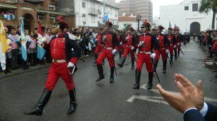 video: los santafesinos disfrutaron del desfile civico militar