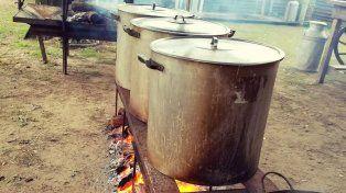 los santafesinos cumplieron con la tradicion de comer locro el 25 de mayo
