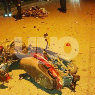 Violentísimo choque entre motociclistas dejó dos muertos en el B° San Agustín