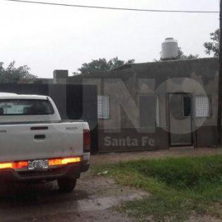 El 2 de abril. Pesquisas allanaron la vivienda de un hombre sindicado por venta de drogas pero no lo encontraron. En el lugar se procedió al secuestro de una camioneta Toyota Hilux blanca.