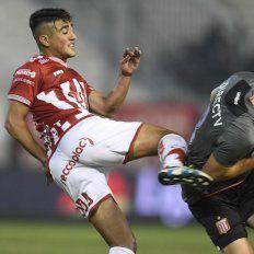 Unión mejoró pero no le sirvió de nada: perdió 2 a 0 ante Estudiantes