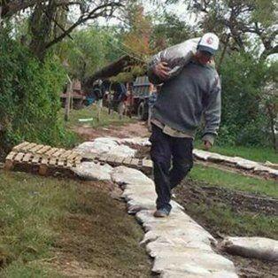 rincon: ya hay unas 250 familias afectadas por la crecida del rio parana