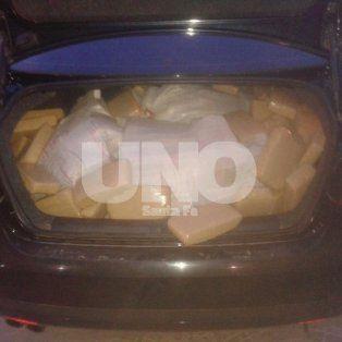En 2016. El VW Vento en que circulaba el narcopolicía de 29 años oriundo del Chaco.