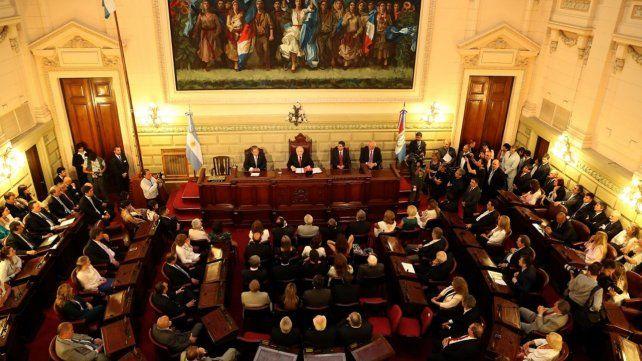 En la Legislatura. El 1 de mayo pasado Lifschitz volvió a insistir con la necesidad de una reforma constitucional.