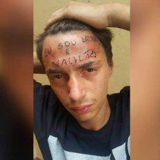 Quiso robarle a un tatuador y recibió un brutal castigo