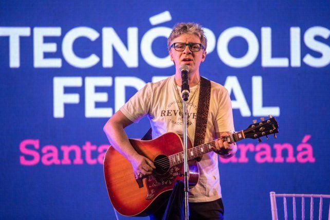 Tecnópolis: Los Auténticos Decadentes montaron su fiesta en la Belgrano