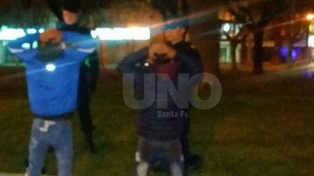 Noche de tiros en barrio Yapeyú: dos detenidos con armas de guerra