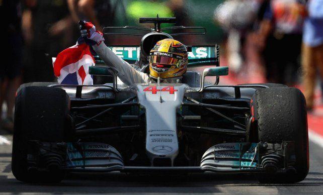 Hamilton se impuso en el Gran Premio de Canadá y le metió presión a Vettel