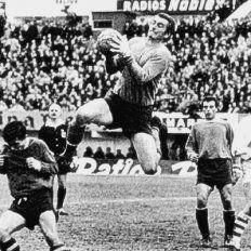 Las efemérides futboleras del 12 de junio: nació Amadeo Carrizo y debutó David Trezeguet