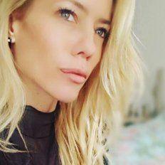 Nicole publicó fotos sensuales y frases picantes