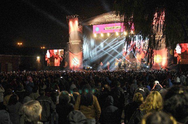 Los Auténticos Decadentes brindaron su show el fin de semana pasado.