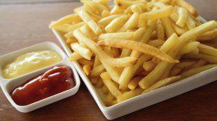 Revelaron el mayor peligro de comer papas fritas