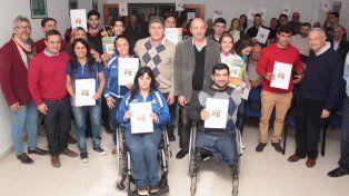 Entregaron becas a deportistas de cara a los Parapanamericanos de Lima y Paralímpicos de Tokio