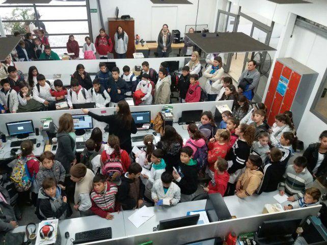 Alumnos de Gálvez visitaron la redacción de UNO Santa Fe