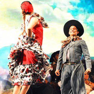 argentina baila: convocan a solistas y parejas de folklore a participar