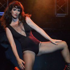 Griselda Siciliani reveló un desnudo artístico inédito de su embarazo