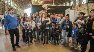 En la Belgrano. El secretario de Gobierno Carlos Pereira acompañó a los jóvenes incluídos en el programa.