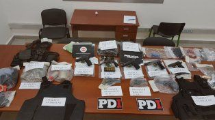 Cayó una banda criminal dedicada a la venta de armas y balas a delincuentes