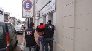 La PDI detuvo a dos jóvenes implicados en el robo y ataque a un taxista