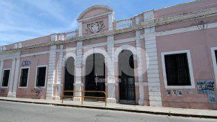 Los ladrones ingresaron al edificio escolar ubicado en 9 de Julio y Moreno