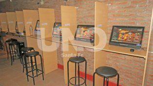 Secuestro. En uno de los locales la PDI encontró 18 computadoras con software de casino.