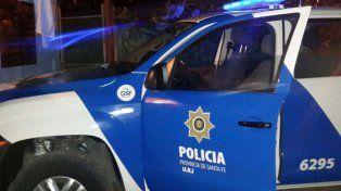 Un joven tiró una piedra a un móvil policial, lo dañó y ahora deberá pagar dos mil pesos