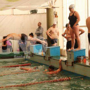 se viene la 1ª fecha del torneo de natacion por equipos