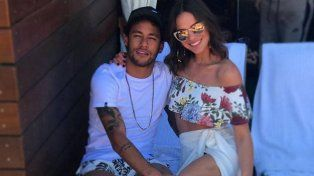neymar le propuso casamiento a su novia, pero...
