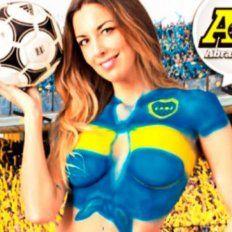 Una periodista de Boca prometió desnudarse por el título y ¡cumplió!