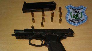Detuvieron a un violento delincuente y le secuestraron el arma robada a un policía