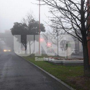 La ciudad amaneció cubierta de niebla en una mañana fría de sábado