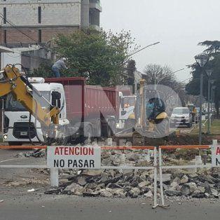 socavon: comenzo el arreglo definitivo en bulevar pellegrini y urquiza